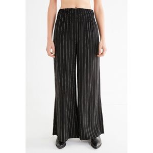 Urban Outfitters High Waisted Wide Leg Pants Small